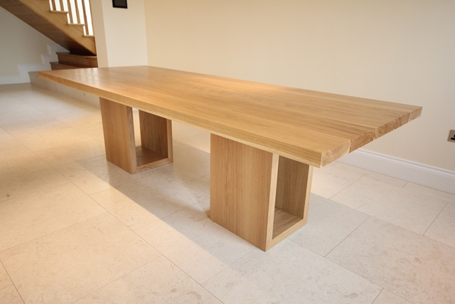 oak dining table with hollow legs